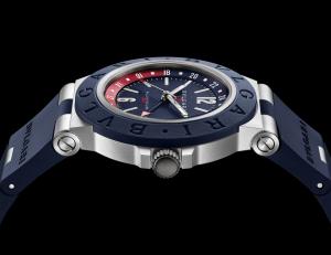 корпус из алюминия и каучука часов Bvlgari Aluminium GMT