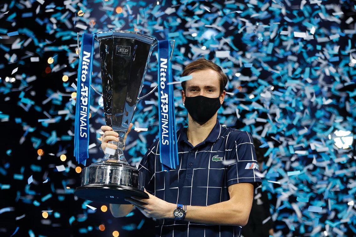 Медведев победил в турнире АТР