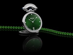 Bovet Miss Audrey с зеленым циферблатом и нефритовым ожерельем